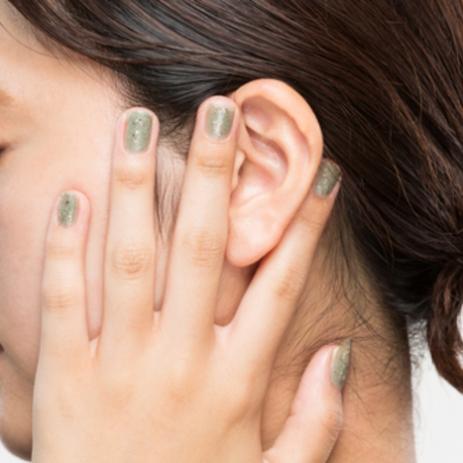 おすすめは耳マッサージ!マスクでほうれい線や目元のシワたるみのお悩み急増中!